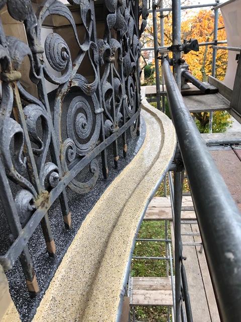 Balkonsanierung Wasserablauf Triflexbeschichtung